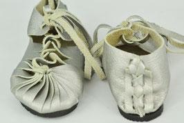 chaussures fille cuir lacées argent mat