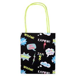 8 petits sacs pour cadeaux invités superhero Meri Meri