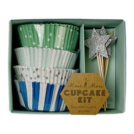 Set caissettes cupcakes bleues et décoration piques étoiles argent