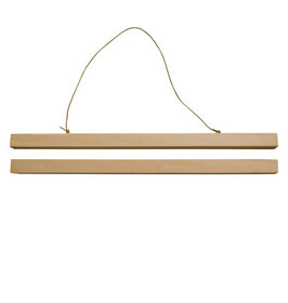 Cintre en bois pour affiche A3 29.7cms largeur