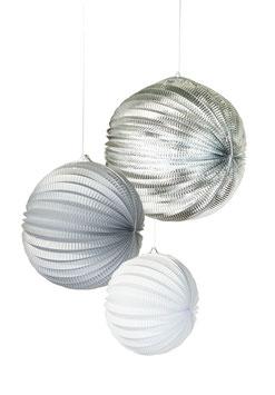 3 lampions accordeon couleur argent, gris et blanc