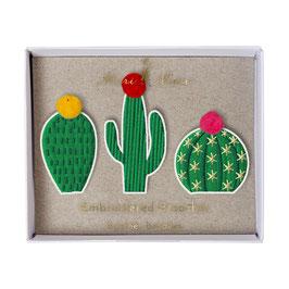 3 broches brodées cactus Meri meri
