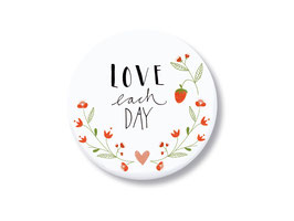 """Magnet """"love each day"""""""