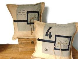 Coussin 40 x 40 cm en toile de jute et coton beige