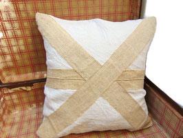 Coussin 50 x 50 cm en chanvre ancien beige et blanc