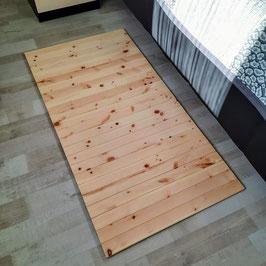 Teppich aus heimischen Zirbenholz. Format: B/L 60x120cm