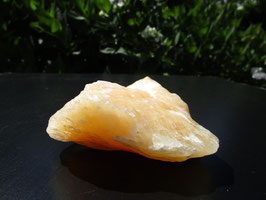 Oranje calciet