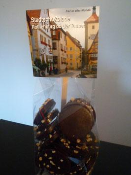 Zartbitter Schokoladentaler mit gehackten Bio Haselnüssen - Rothenburg ob der Tauber