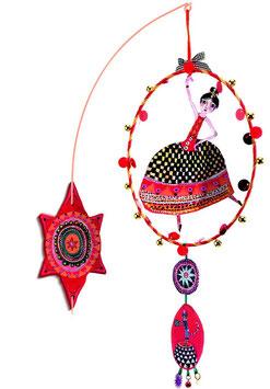 Mobile Flamenco mit Wandhalterung