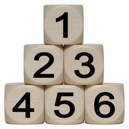 Würfel groß mit Zahlen aus Holz