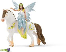 Eyela zu Pferd