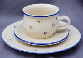 Tasse 1985 - blaue Blumen Set-  ∅ 9 cm, H. 7 cm. 250 ml. Teller ∅ 20 cm