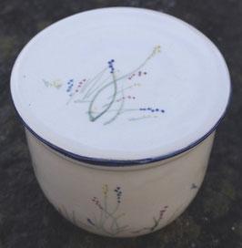 Wasser Butterdose - blaue Wiese- ca.- ∅ 12,5 cm, H. 10 cm. Für 250 Gramm,.