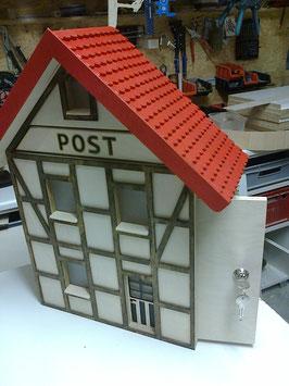 Fachwerkhaus-Briefkasten