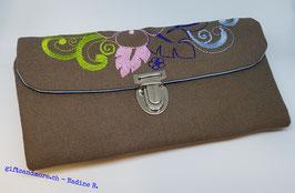 Portemonnaie Wildspitz mit schöner Stickerei