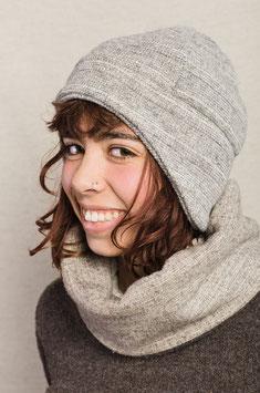 Mütze mit Ohrenschutz grau gestreift