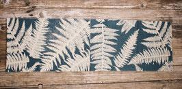 Schal mit Farnblättern