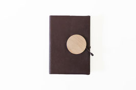 cover M // wood clasp