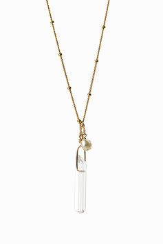 Collier en chaine perlée Gold filled avec un pendentif en cristal de roche et une perle blanche  60cm