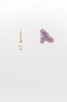 Boucles d'oreille asymétrique Nuage d'agate mauve et perle gold filled 3cm