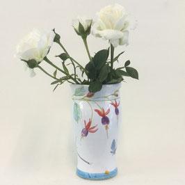 Petit vase ovale Fuchsia. Small oval vase Fuchsia.