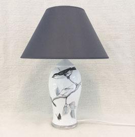 Lampe de chevet avec oiseaux. Bedside lamp with birds.