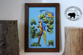 Papageien auf Bäumen