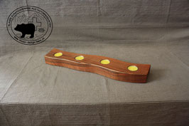 Holz Design Kerzenständer aus dunklem Nussbaumholz gewelt