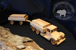 Holzspielzeug Lastwagen mit Anhänger