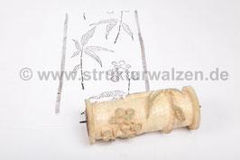 Ringwalze 2016-0444 - Ringwalze mit Gräsern / Pflanze / Blättern