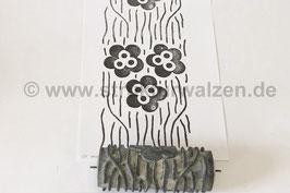 Musterwalze 2019-1954 mit schönem floralem 70er Jahre Muster / große Blumen ( 60er / 70er Jahre) - (K18.15)
