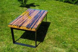 Baumkantentisch aus Eichenholz