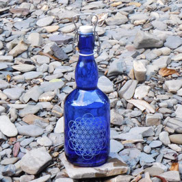 Bügelflasche mit Blume des Lebens V4