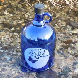Henkelflasche mit Schmetterlinge