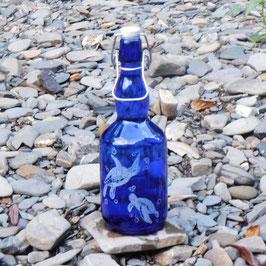 Bügelflasche mit Schildkröte