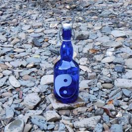 Bügelflasche mit Yin & Yang