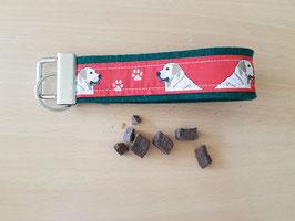 "Schlüssselanhänger ""Labrador rot auf dunkelgrünem Filz"""