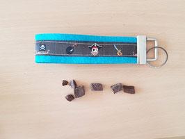 """Schlüsselanhänger """"Piraten grau auf blauem Filz"""""""