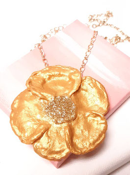 Goldene Blume, Anhänger mit Kette, etwa 6 cm Durchmesser