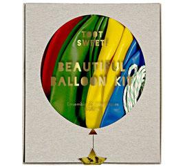 8 ballons multicolores