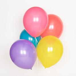 10 ballons de baudruche multicolores