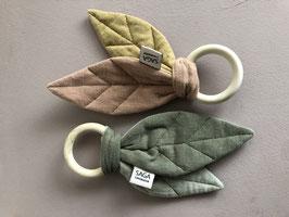 Saga Copenhagen Teething Ring Blaoa Beißring Holz Knister Blatt div. Farben
