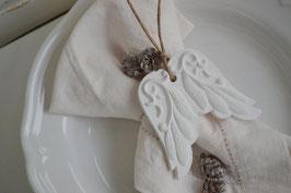 Boho-Flügel Matt-Keramik mit Feder-Optik / Duftkeramik