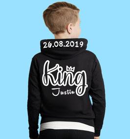 KING OUTLINE KINDER HOODIE MIT WUNSCHNAME UND DATUM