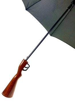 Regenschirm mit Gewehrgriff