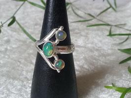 Äthiopischer Welo Opal Ring, gefasst in 925 Sterlingsilber, R 010
