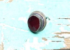 Ring rund dunkelrot rund