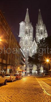 Kölner Dom + Straße