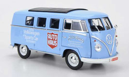 "VW T1b Bus 1960-1963 ""Auto Haus"" hellblau / weiss / rot mit Faltdach schwarz"