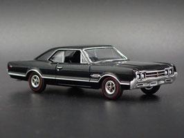 Oldsmobile 4-4-2 1966 schwarz